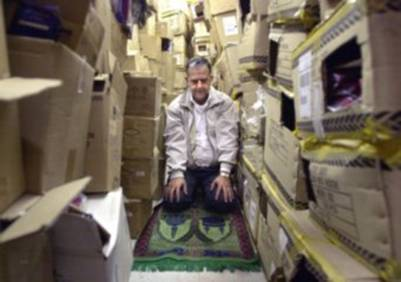 salat-in-storage-full-of-boxes