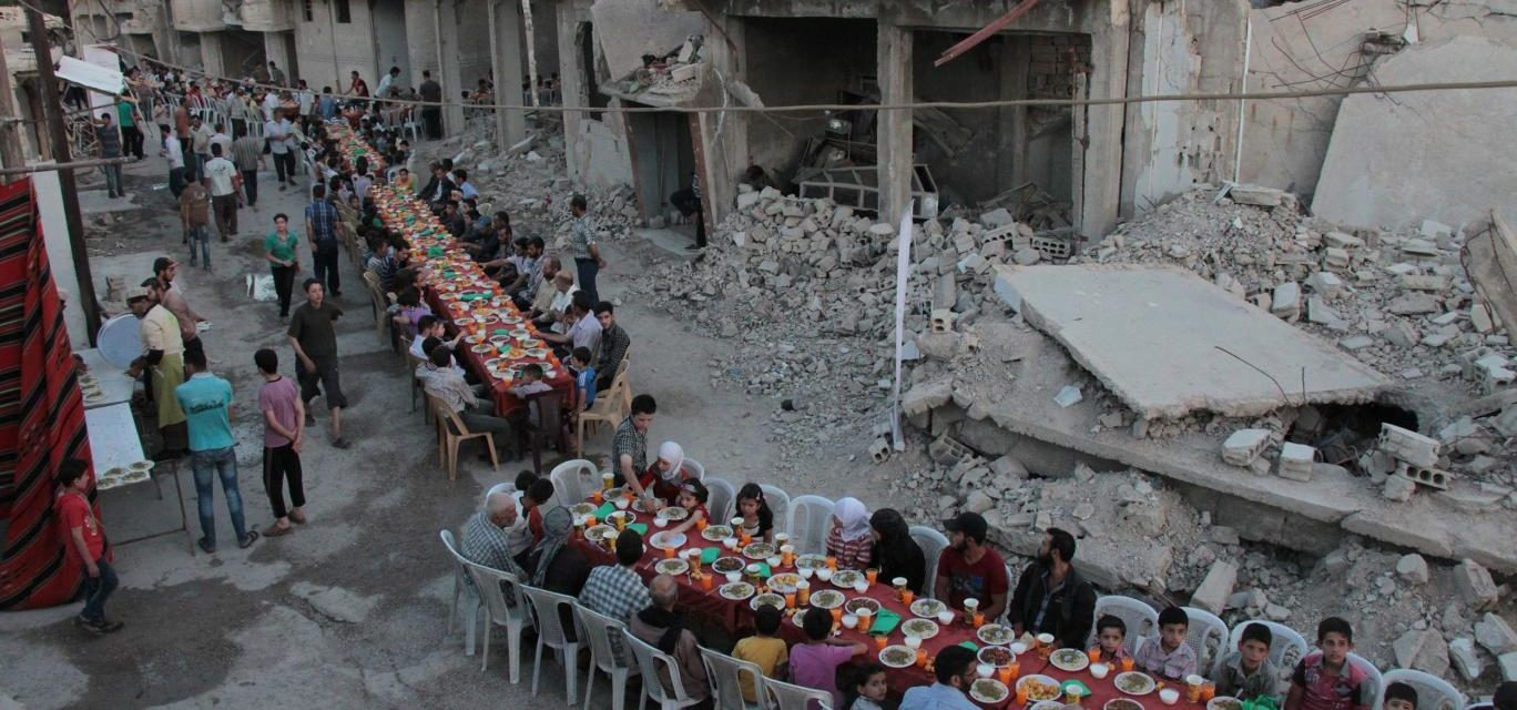 An Iftar Among the Rubble: Photos Show the Incredible Strength of Syrian People