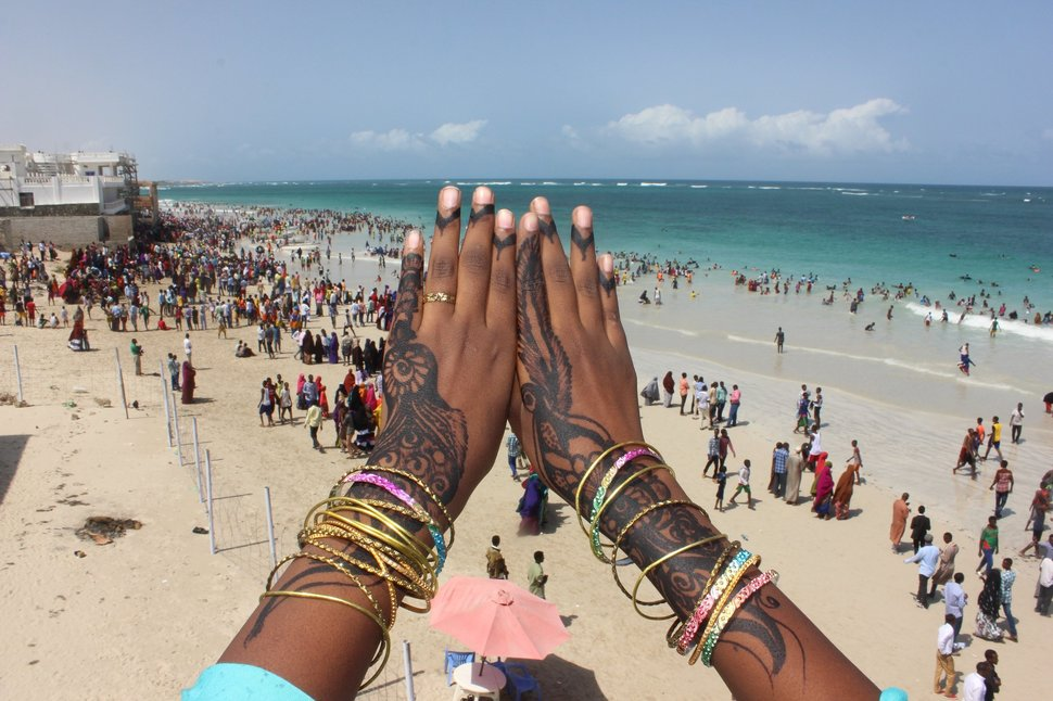 Hope In Somalia >> Eid al-Fitr on the Beach in Mogadishu, Somalia, Looks Glorious